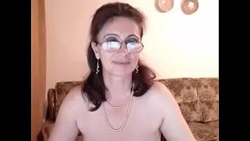 Авина кайфует от игрушки и пениса в аналу