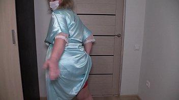 Медсестра исполнила все капризы врача вскоре после фут-фетиша отдалась в писю
