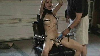 Девушка испытала хороший анальный секс на пару с фотосессией