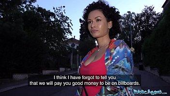 Натуральное грубое анальное порево с украинской первокурсницей в главной роли