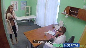 Девушка приняла решение духовно очиститься и потрахалась с молодчиком на эротичном массаже