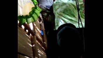 Мускулистый парень растирает влажную шмоньку длинноногой стройняшки