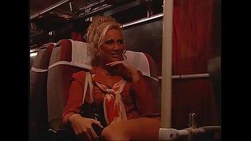 Nikki blake любит сосать перед поревом на порева видео блог