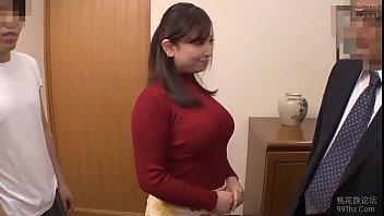 Девчоночка в возрасте дрочит на вебкамеру