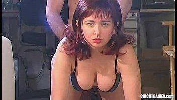 Подружка скинула трусы и стоя приняла в пизду пенис спутника